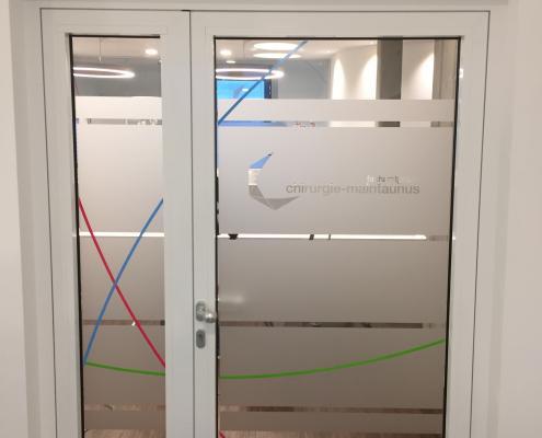 Fenster Klebefolie mit Logo nachher (11)