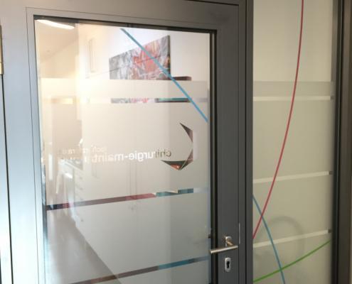 Fenster Klebefolie mit Logo nachher (9)