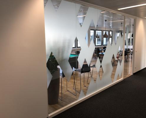 Sichtschutzfolie im Corporate Design