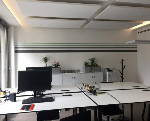 Streifendesign Wand Innenraum CI gerecht gestalten BCG Platinion (5)